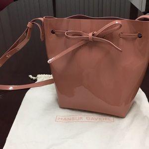 MANSUR GAVRIEL Mini patent-leather bucket bag